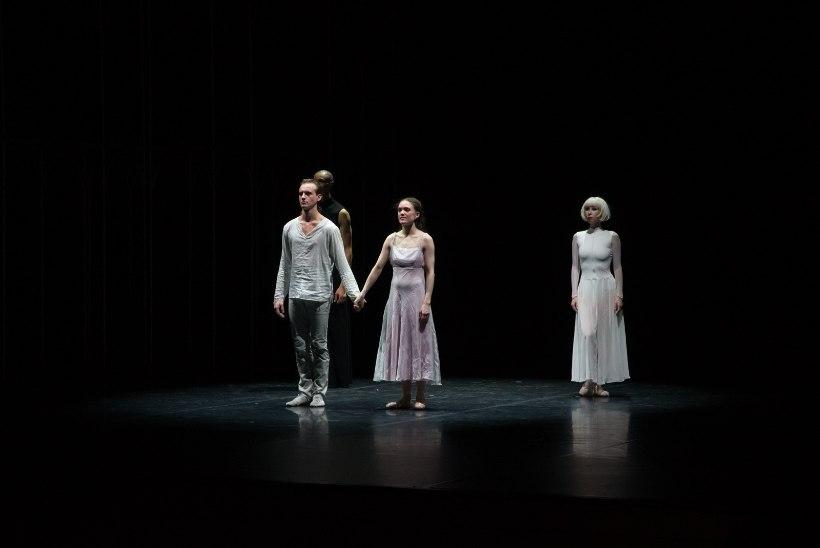 GALERII | Vanemuise ballett avas 80. hooaja esietenduse ja sünnipäevaraamatuga