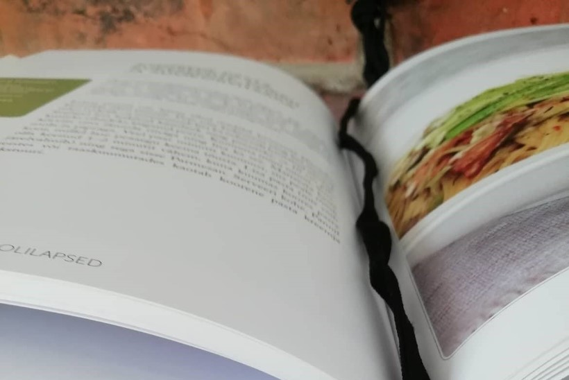 Hea idee õpetajale kingiks: nutikas viis, kuidas hoida oma lemmikraamatut alati silma all
