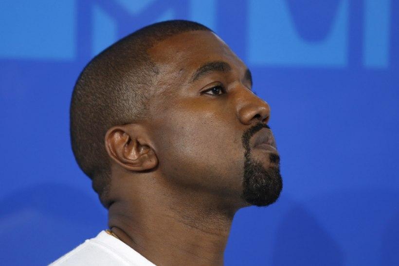 Kanye West muutis nime