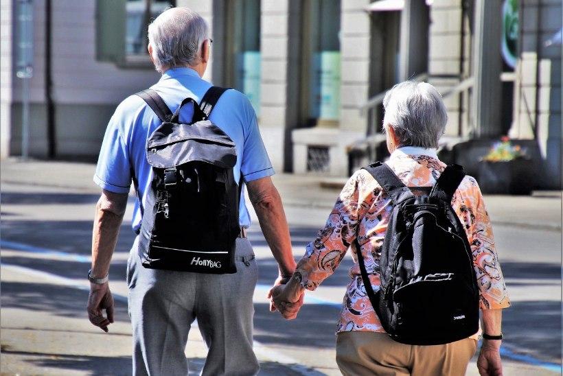 GRAAFIK | Eesti meeste ja naiste oodatav eluiga pikeneb