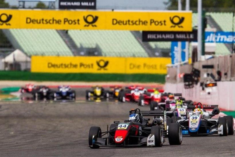 VIDEO   Schumacher tegi koduringil kübaratriki, Vipsi sõidud lõppesid juba avaringil