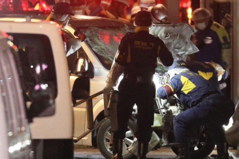 Tokyos sõitis kaubik inimeste sekka, üheksa inimest sai vigastada
