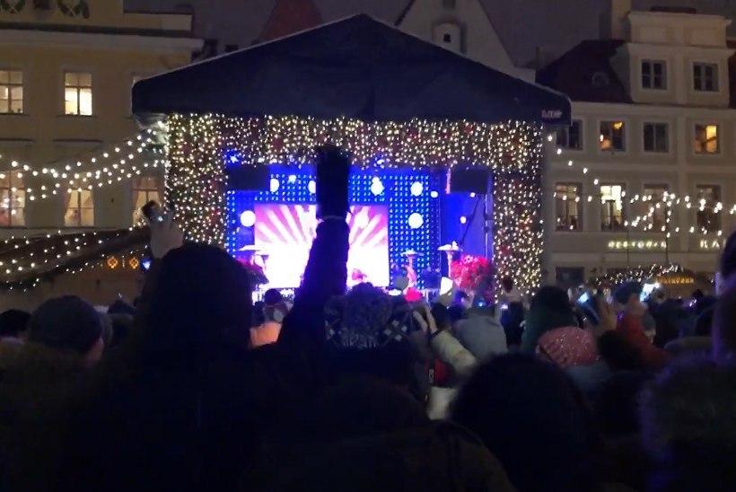 VIDEO | Tallinna Raekoja platsil tervitati uue aasta saabumist Venemaale