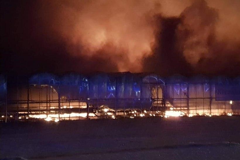 FOTOD | Saku vallas algas uus aasta suure tulekahjuga, mille põhjustas ilutulestikurakett