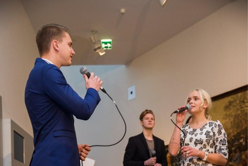 FOTO | Jaak Madison veetis ka aastavahetuse kauni lauljanna seltsis