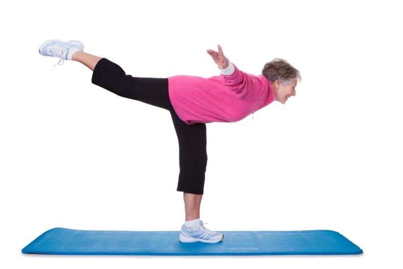 Lihtne harjutus, mis aitab tasakaalu ja kõhulihaseid treenida