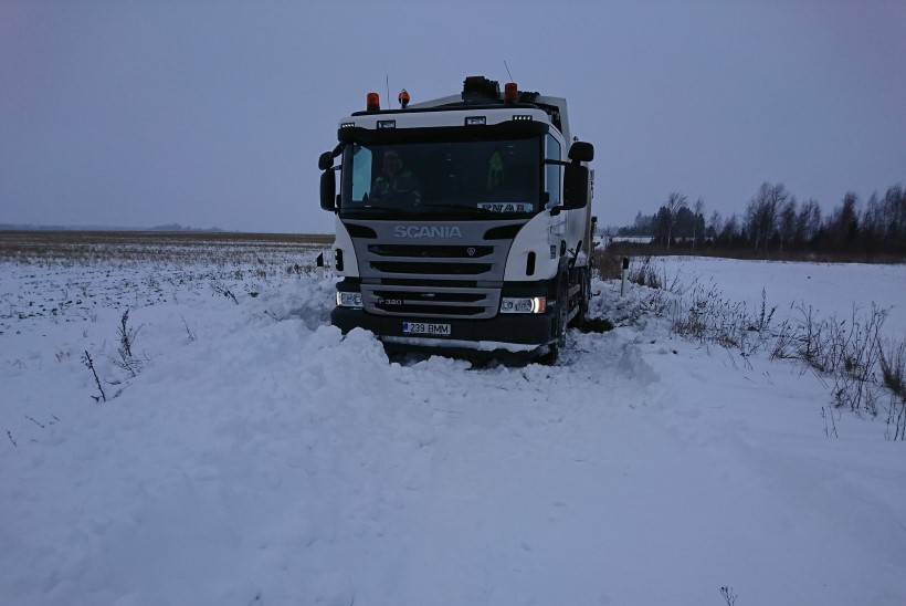 MAARAHVAS MATTUB SODI ALLA: prügiveokid jäävad lumme kinni