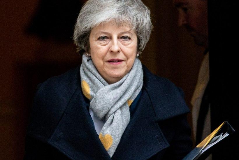 May Brexiti-lepe kukkus hääletusel läbi