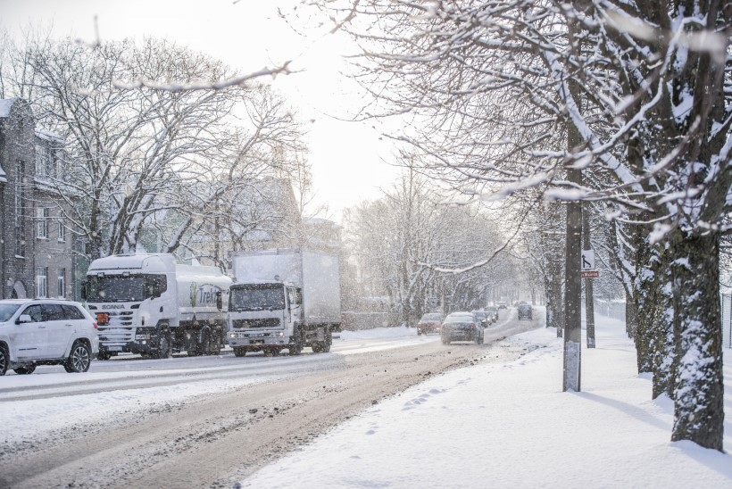 ILMAPROGNOOS: Soome valmistub järjekordseks lumetormiks, Eestis tormihirmu pole