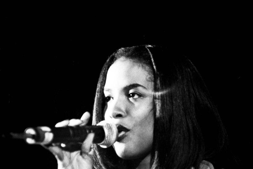 Pere ja fännid mälestasid 22aastaselt hukkunud lauljatari
