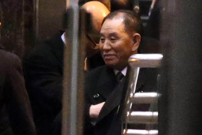 TRUMP KOHTUB VEEBRUARI LÕPUS KIMIGA: Põhja-Korea ametnik saabus USAsse, ümbrik näpus