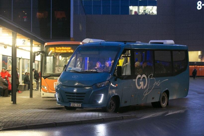 Kangelaslik bussijuht toimetas terviserikkega mehe haiglasse