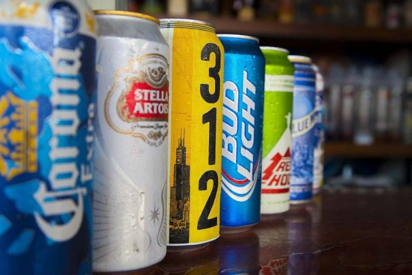 Arstid päästsid mehe elu, pumbates tema organismi 15 purki õlut