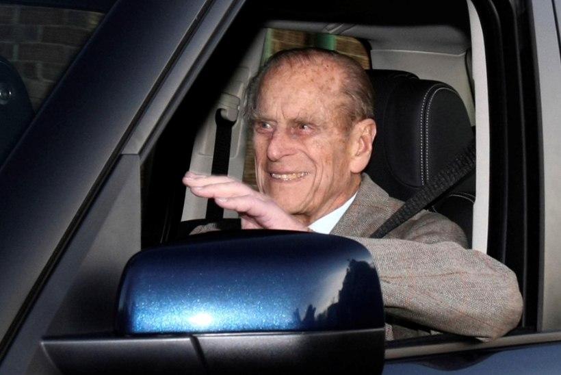 Prints Philipi nähti pärast õnnetust turvavööta sõitmas