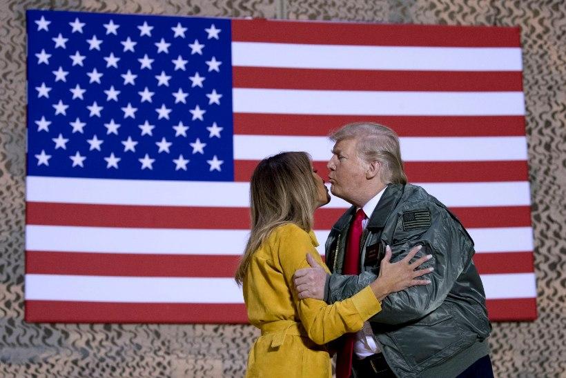 Donald ja Melania Trump esitati Kuldvaarika nominentideks