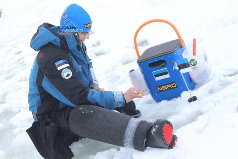 Eestlased talvise kalapüügi MMil: jää peal on vesi ja lumi põlvini