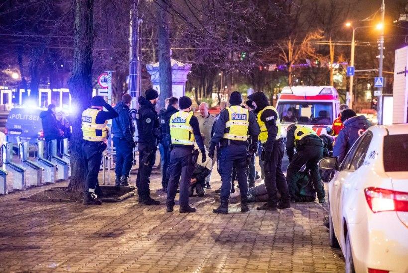 Tallinna südalinnas põrkas öösel kokku kolm autot