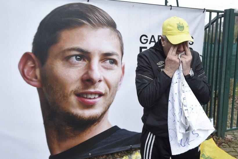 SÜDANTLÕHESTAV GALERII | Kadunud jalgpalluri tiimikaaslased kogunesid esmakordselt pärast õnnetust