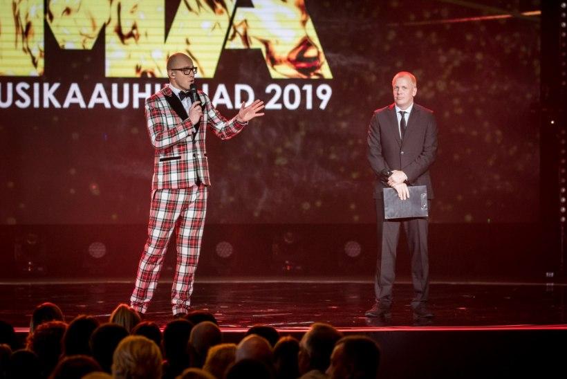 BLOGI JA GALERII | MUUSIKAAUHINDADE JAGAMINE: Draakonid noppisid kolm auhinda, aasta naisartist on Lenna Kuurmaa, aasta meesartist on Nublu