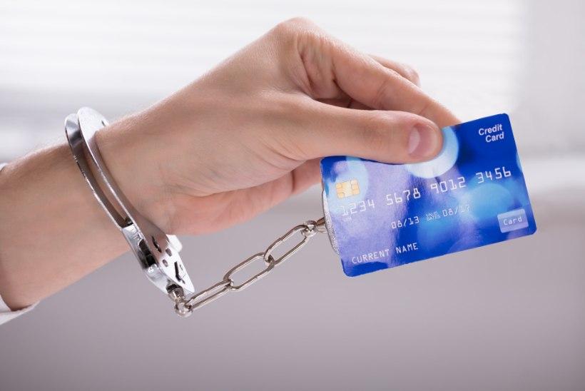 Britilt rööviti 10 tuhat naela, sest tema spordiklubi kapi PIN-kood oli sama mis pangakaardil