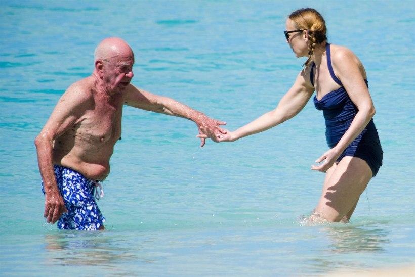 Jaggeri eksnaine naudib rannamõnusid 87aastase Rupert Murdochiga