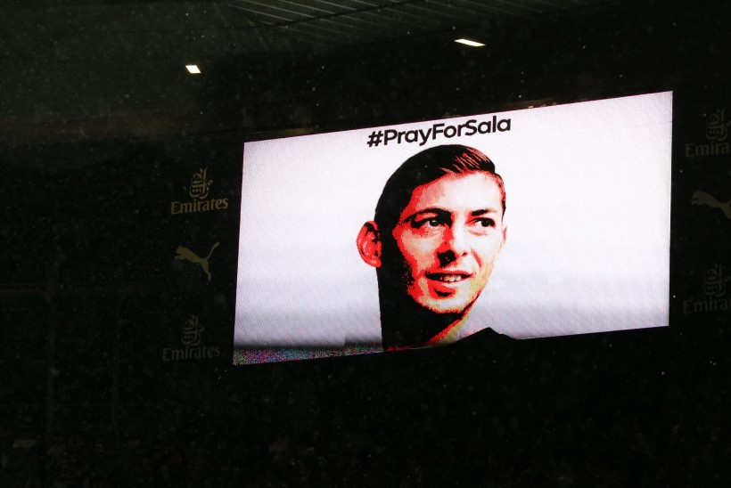 GALERII JA STATISTIKAPOMM | Cardiffi mängul mälestati kadunud jalgpallurit, Solksjäri laitmatule seeriale pandi piir