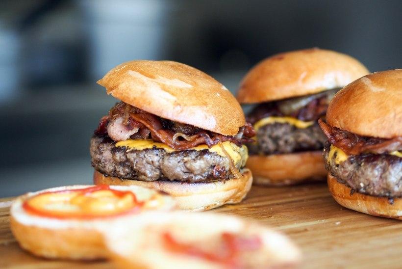 """Narkoparunile pühendatud restoran pakub """"kokaiinitriibuga"""" burgereid"""
