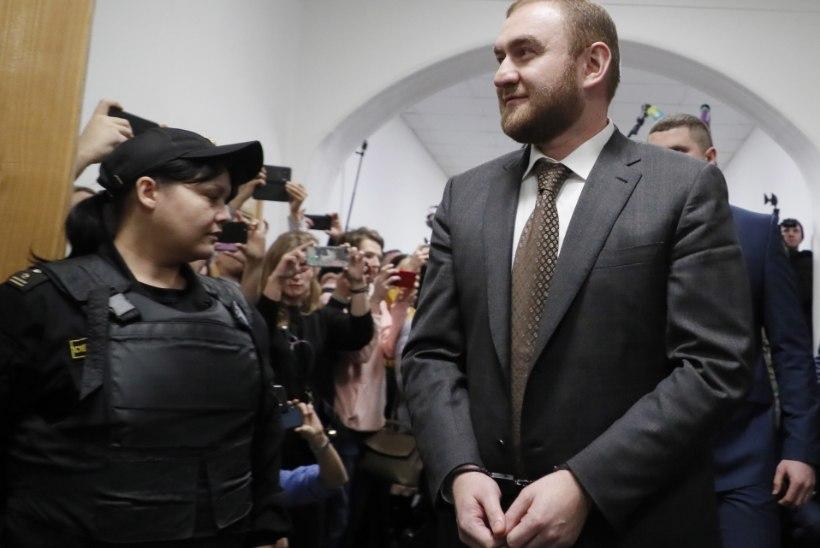 NELI MÕRVA: Vene senaator peeti kinni otse istungitesaalis
