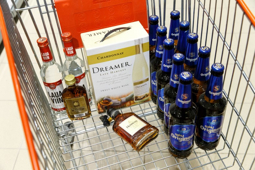 ÕL VIDEO | KODUTUNDEST POLE HAISUGI: eestlane laristab palga pigem viinale kui majapidamisele