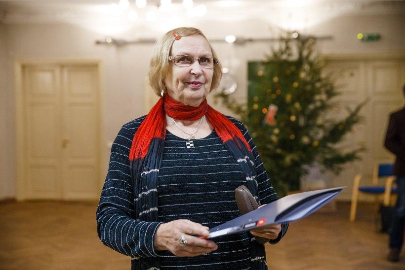Luule Komissarov pälvis Ugala teatri kolleegipreemiate jagamisel parima naisnäitleja tiitli