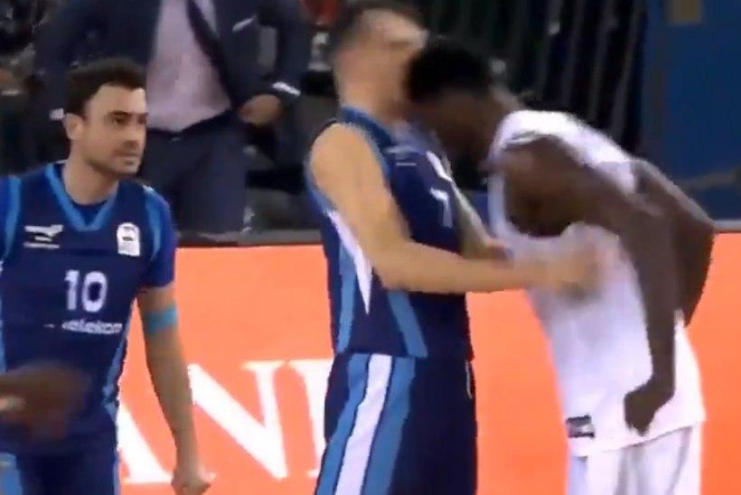 VIDEO | Hullem kui Zidane? Euroliiga korvpallur lõi vastasele jõhkralt peaga näkku