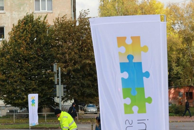 GALERII | Narva tüdruk sulatas oma silmade ja keelega Mart Helme südame
