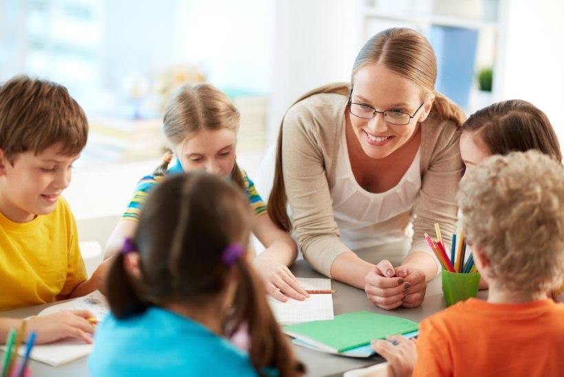 Õpetajate päev tulekul! 10 universaalset ideed, millega oma õpetajat üllatada