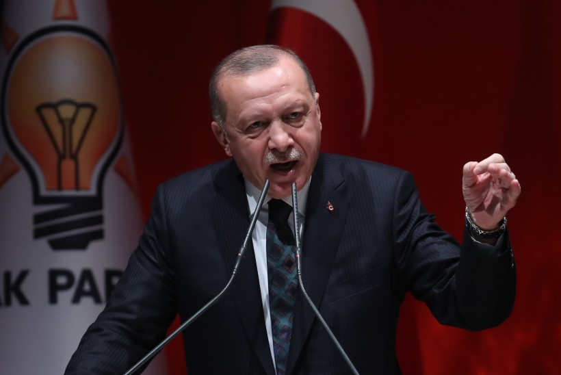 """Erdogan ähvardab Euroopat: """"Avame väravad ja saadame teile 3,6 miljonit migranti!"""""""