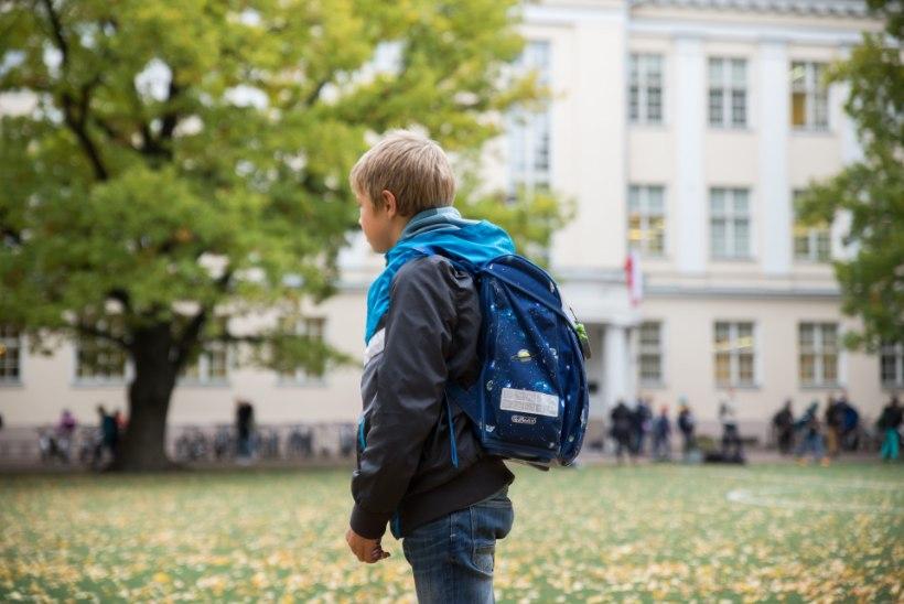 Ministeerium kinnitab: Eesti elamisloata lastel on ikkagi õigus koolikohale