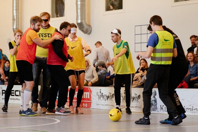 ÕL VIDEO ja GALERII | Pimedate jalgpall: hirmuäratav saamatus ja harvaesinev võrdsus