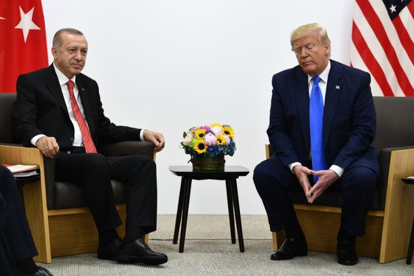 USA seadis Türgile sanktsioone, Trump helistas Erdoganile