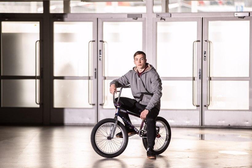 VIDEO   HULL MEES! Eesti rattur sai hakkama võimatuna tunduva trikiga