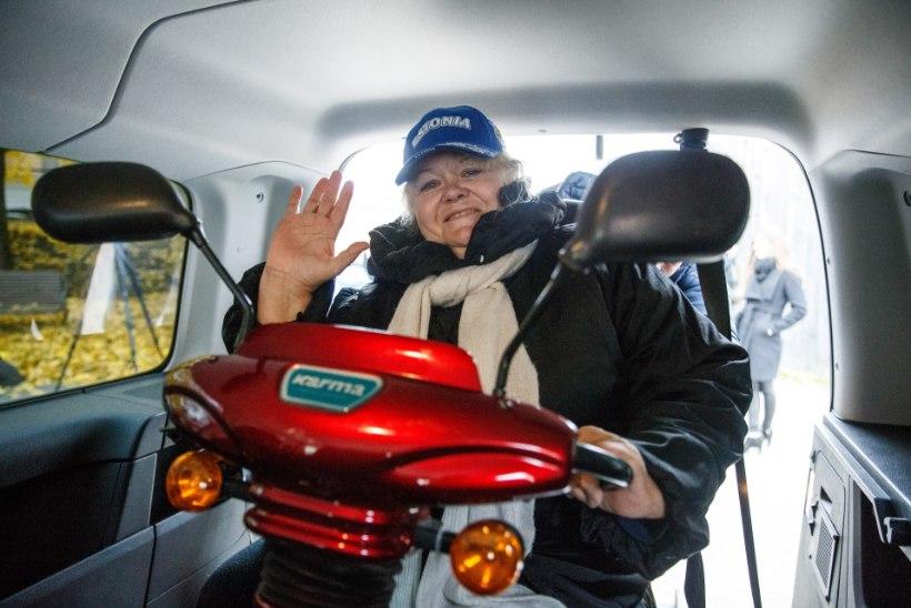 ÕL VIDEO JA GALERII | Taksosse pääseb nüüd ratastooli ja skuutriga
