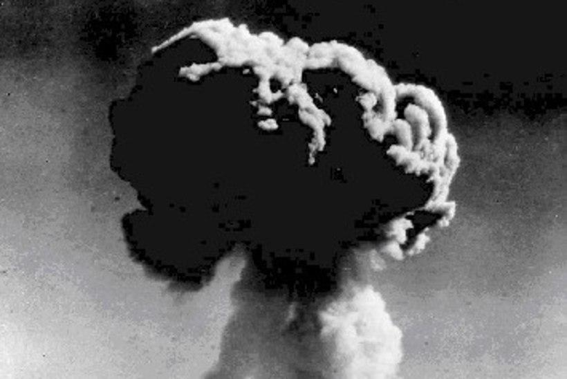 MINEVIKUHETK | 16. oktoober: Hiina katsetas esimest korda tuumarelva