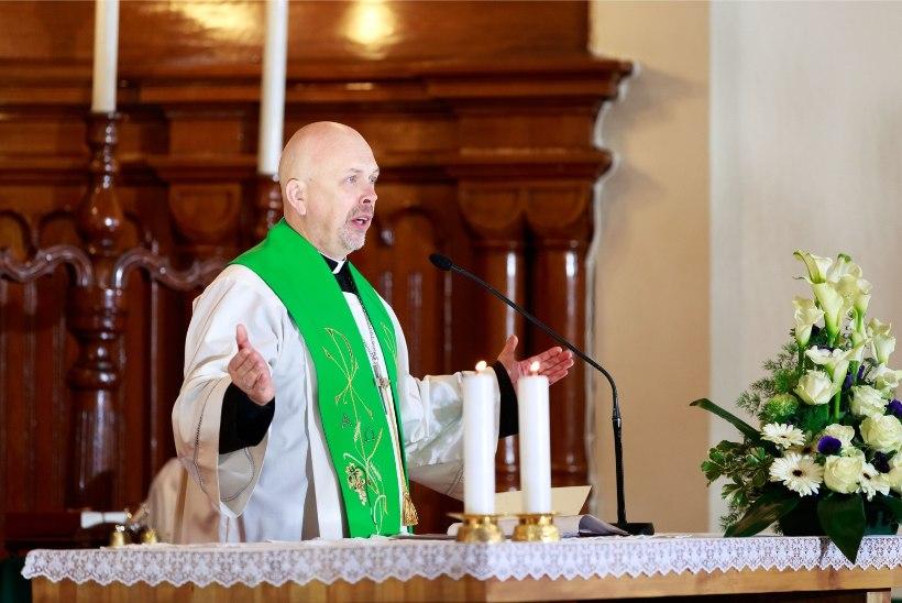 """Kirik keelas Toomas Kirsil """"Salmonite"""" filmimise: koguduse liikmed tajuvad, et naeruvääristatakse seda, mis on neile püha"""