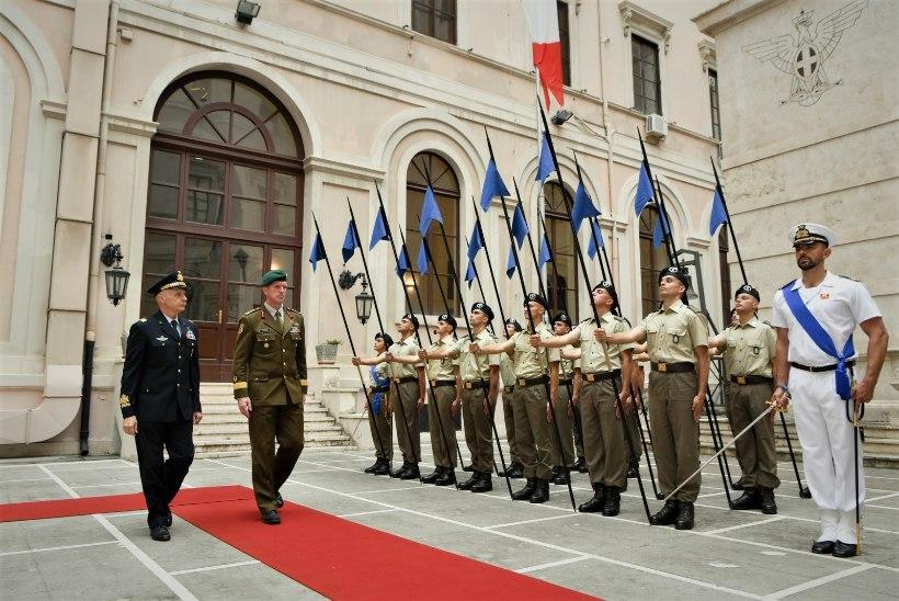 FOTO | Eesti kaitseväe juhataja kohtus Itaalia kolleegiga