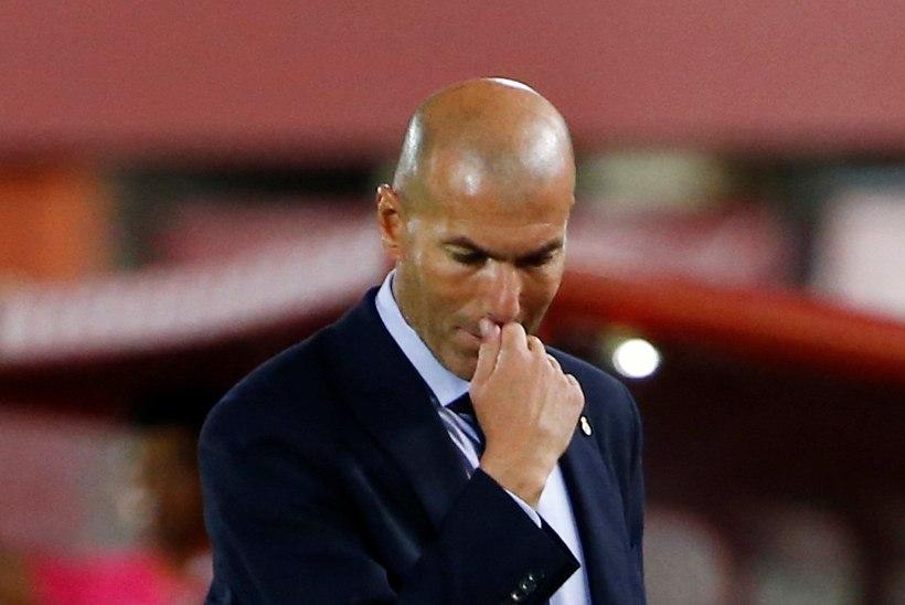 Kriis jätkub: Real domineeris, aga kaotas. Barcelona tõusis liidriks
