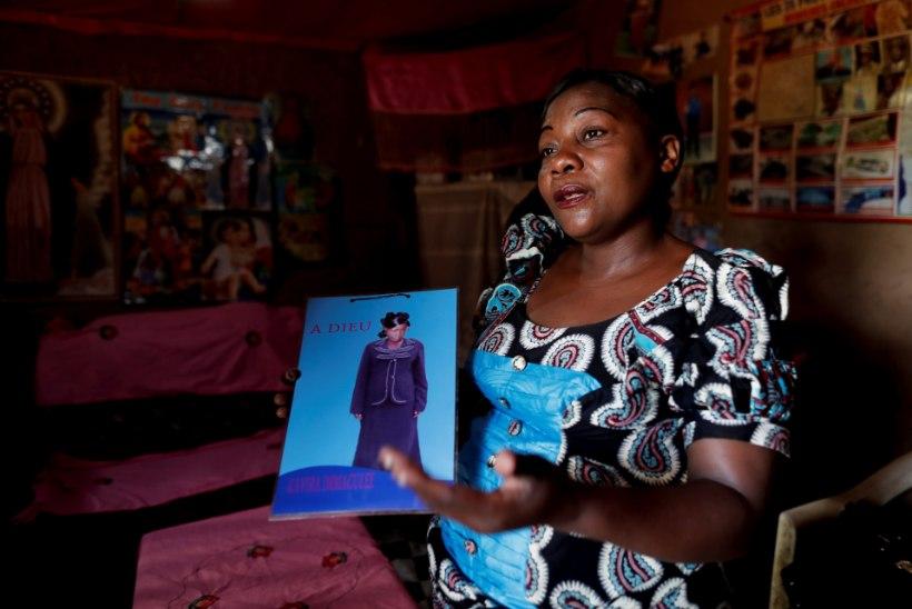 """""""Haige!"""" """"Äraostetu!"""" Ebola üle elanud kongolasi ootavad kodukülas häbi ja süüdistused"""
