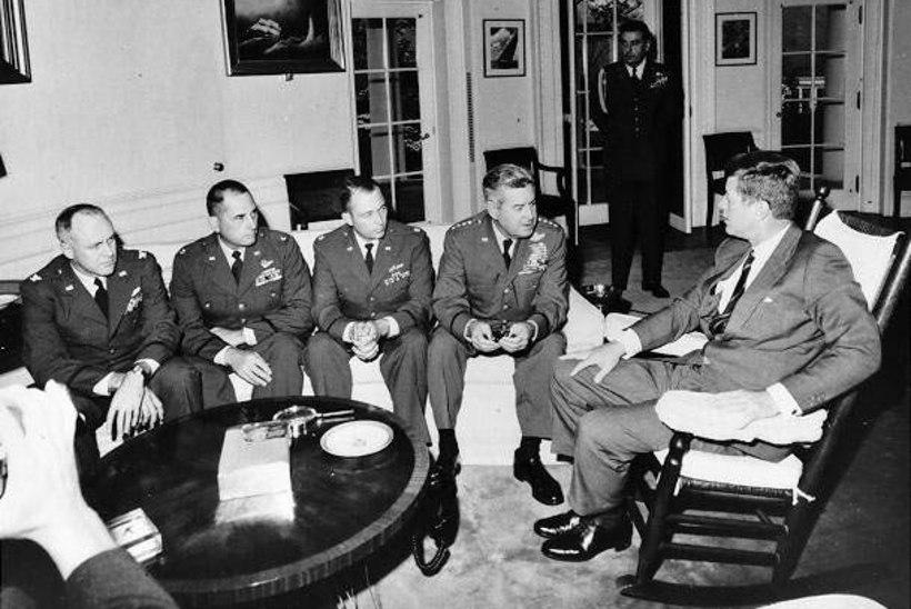 MINEVIKUHETK | 22. oktoober: algas tuumasõjaohtu kujutanud Kuuba raketikriis