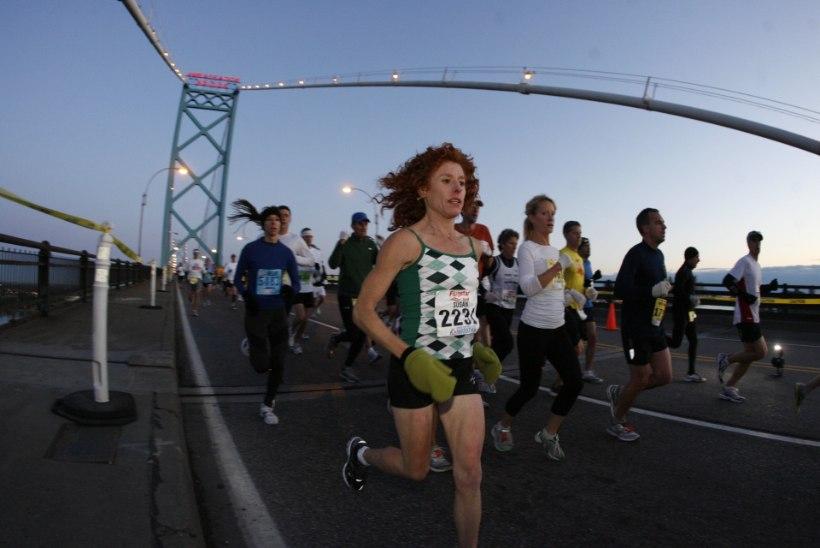 USKUMATU! Surmadiagnoosi järel 215 kg alla võtnud ameeriklane läbis maratoni