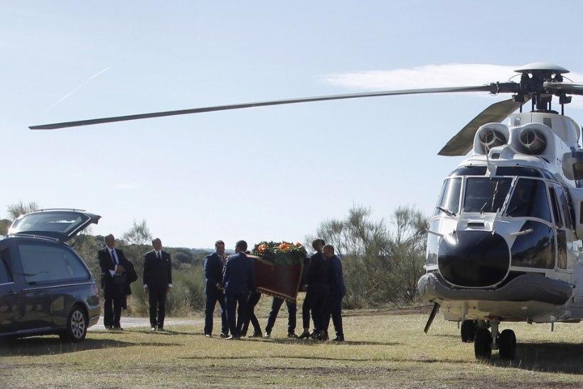 Hispaanias maeti diktaator Franco põrm neljapäeval abikaasa kõrvale