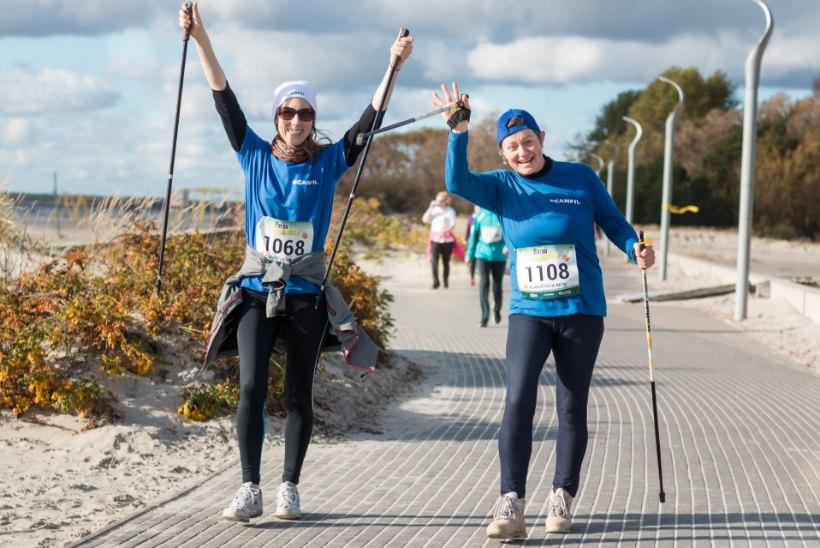 Pärnu rand on pühapäeval täis jooksjaid