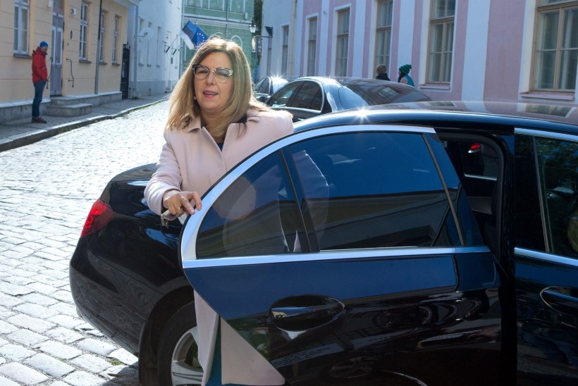 FAKTIKONTROLL | Kas Kert Kingo tõesti ei tohtinud riigikogus rääkida Jakko Väliga sõlmitud töölepingust?