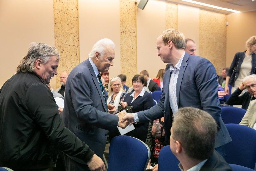 FOTOD | EKRE auesimees Arnold Rüütel: tuleb säilitada kainet ja rahvuslikku meelt